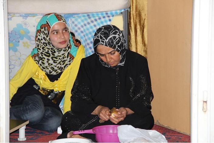 السوريون في تركيا.. سحور بطعم مرارة اللجوء - السوريون في تركيا.. سحور بطعم مرارة اللجوء (11)