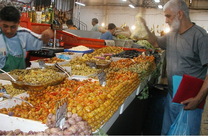 التضخم في الجزائر يقفز 8% في الشهر الماضي