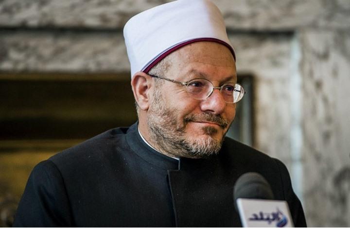 """السيسي يمنع إعدام قاتل ويجدد للمفتي و""""لا يخشى العزل"""" (فيديو)"""