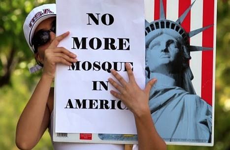 ذا كونفرسيشن: افتراضات زائفة وراء إسلاموفوبيا الإعلام الغربي