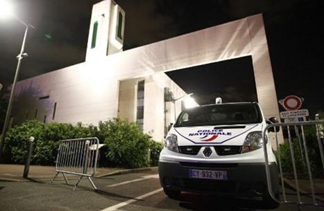 إجراءات فرنسية ضد المساجد.. وحل تجمع مناهض للإسلاموفوبيا