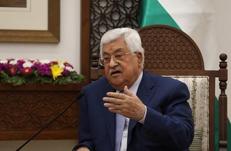 """صحيفة: عباس منح الغطاء لتصفية نزار بنات.. """"خلصونا منه"""""""