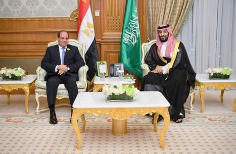 FP: أنظمة القمع العربي تعاقب المعارضين بالضغط على عائلاتهم