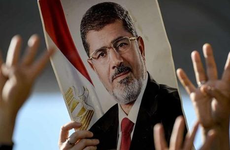 نشطاء: هذه إنجازات مرسي في عام (شاهد)