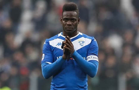 """""""المشاغب"""" الإيطالي بالوتيلي يقترب من الانضمام لفريق عربي"""