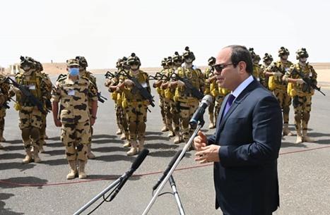 """السيسي متحدثا عن كورونا: """"ربنا لا يسلط علينا جنوده"""" (شاهد)"""