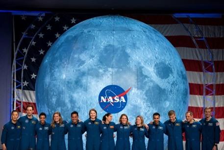 ناسا تبحث عن مرحاض يعمل على القمر.. تعرف على مواصفاته
