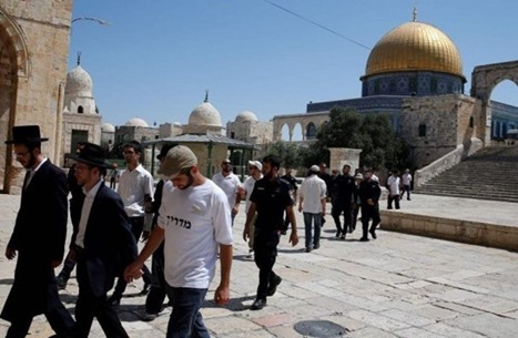 تقرير يرصد اعتداءات الاحتلال ومستوطنيه بالقدس