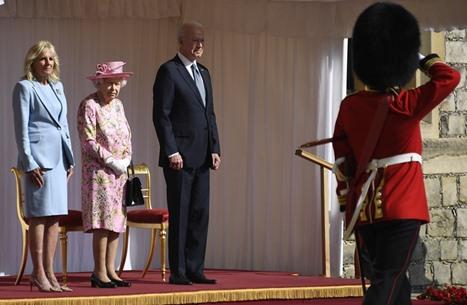 WSJ: تاريخ طويل لملكة بريطانيا مع الرؤساء الأمريكيين