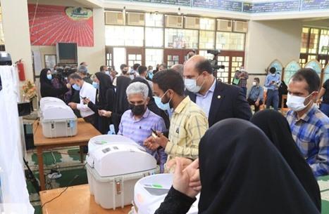 إغلاق صناديق الاقتراع بانتخابات إيران وتمديد ببعض المراكز