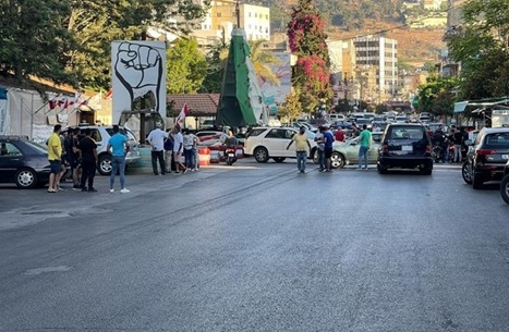 صحيفة لبنانية: إيران ستزود لبنان بالوقود والدواء قريبا