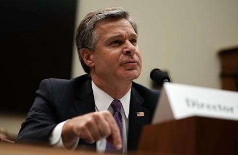 مدير FBI: تصاعد مشكلة الإرهاب الداخلي في أمريكا