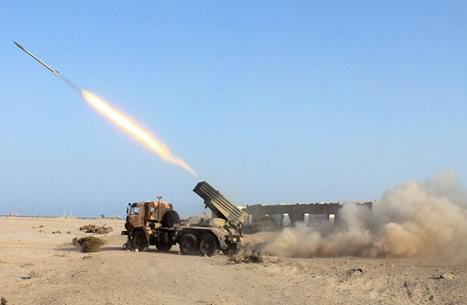 لماذا يركز الحوثيون هجماتهم على قاعدة الملك خالد؟.. خبير يوضح