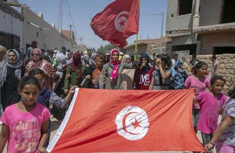 احتجاجات تونسية مستمرة بعد مقتل مواطن على حدود ليبيا
