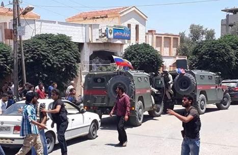 الغارديان: روسيا تحاول موازنة مصالح متناقضة جنوب سوريا