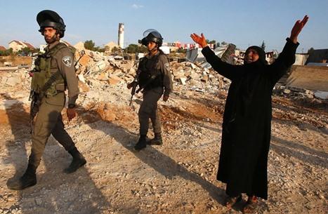 التهجير والعزل يهدد الفلسطينيين القاطنين بمناطق الضم