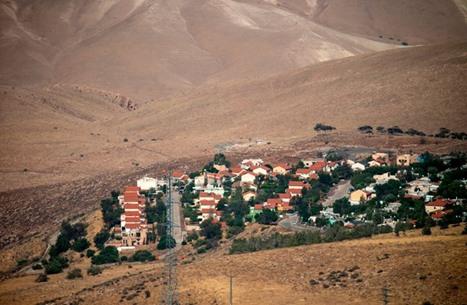 الغارديان: سكان أريحا والغور يخشون من عزلهم عن الضفة