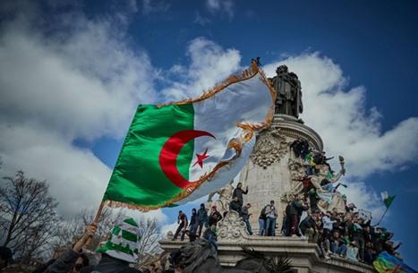 منع قناة فرنسية من العمل في الجزائر غداة بث تقرير عن الحراك