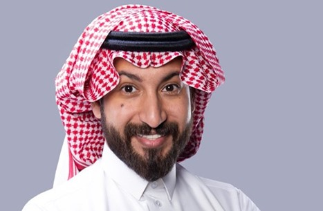"""ناشط سعودي يعتذر عن تغريدات بعد اتصال من """"أمن الدولة"""""""