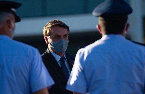 """أعراض """"كورونا"""" تظهر على رئيس البرازيل.. سخر منه سابقا"""