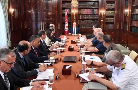 الرئيس التونسي: هناك من يسعى لتفجير الدولة من الداخل