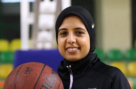 مصرية تدخل تاريخ الأولمبياد كأول محجبة تحكم في كرة السلة