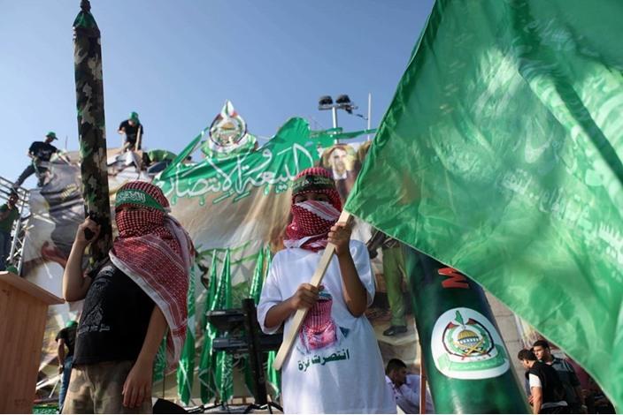 """احتفالات بالضفة الغربية تحت شعار """"شعب يصنع نصره"""" - aa_picture_20140830_3166086_web"""