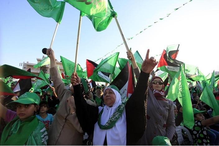 """احتفالات بالضفة الغربية تحت شعار """"شعب يصنع نصره"""" - aa_picture_20140830_3166098_web"""