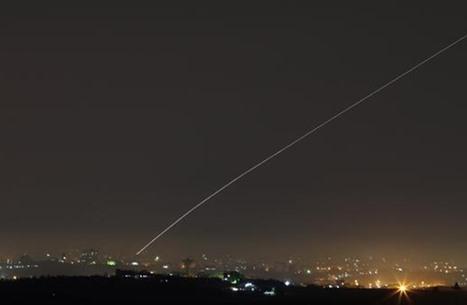انطلاق صافرات الإنذار بغلاف غزة وحديث عن صاروخين