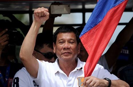 رئيس الفلبين يتجاوز الإثارة في الحديث عما سيفعله بالإرهابيين