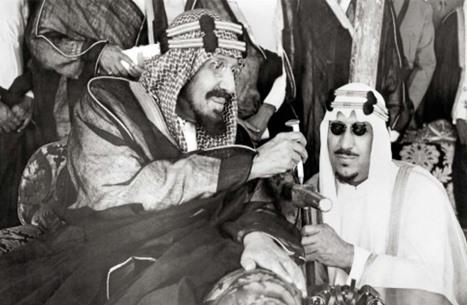 فنان سعودي باع للملك سلمان لوحة بسعر خيالي قبل 45 عاما