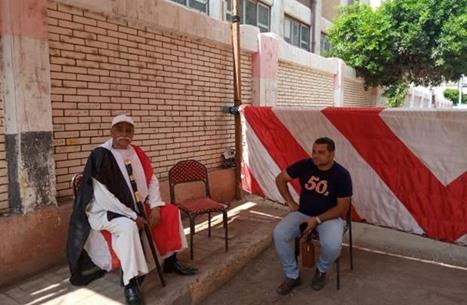 """""""عربي21"""" ترصد تقديم """"مستقبل وطن"""" رشى انتخابية لفقراء مصر"""