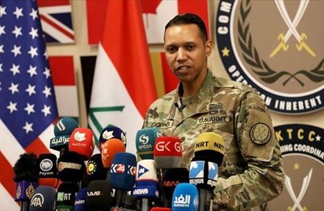 هروب المتحدث باسم التحالف عقب سقوط صاروخ بالعراق (شاهد)