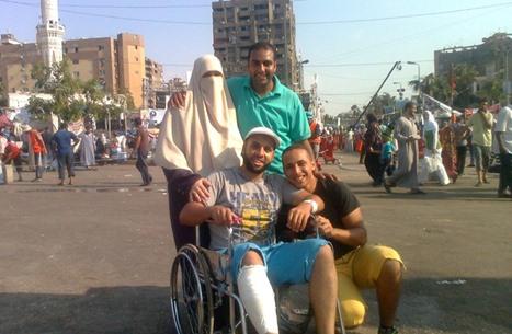 """""""عربي21"""" تحاور والد قتيل وثلاثة معتقلين رفضوا عسكرة مصر"""