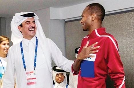 """أمير قطر يهنئ مواطنه """"برشم"""" بفوزه بميدالية ذهبية في طوكيو"""