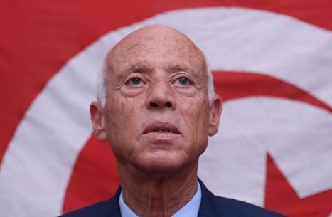 """""""تنظيم الدولة"""" يحتفي بانقلاب قيس سعيّد في تونس"""