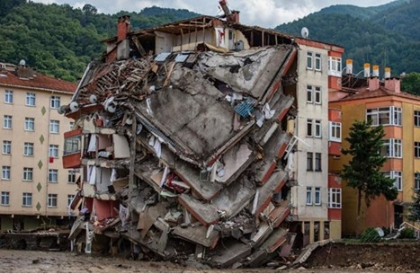 ارتفاع عدد ضحايا الفيضانات شمال تركيا إلى 59 وفاة