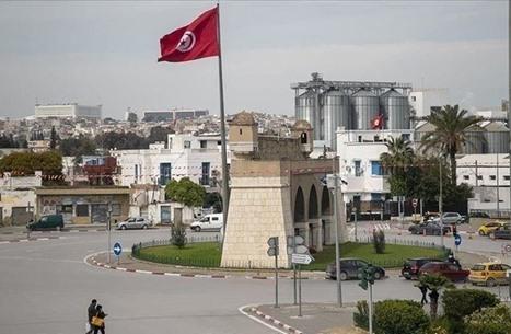 تأخير صرف رواتب الموظفين بتونس للشهر الثالث