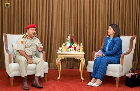 وزيرة خارجية ليبيا تعود للمشهد وتجتمع بمدير مكتب حفتر