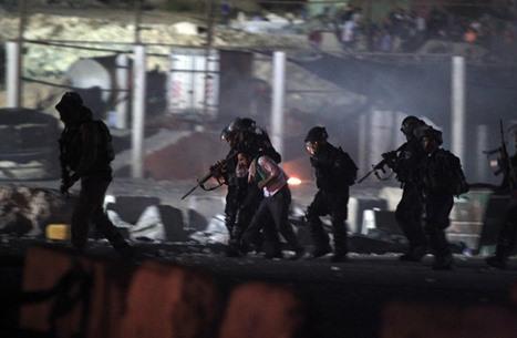 الاحتلال يعتقل عددا من الفلسطينيين بالضفة.. بينهم صحفي
