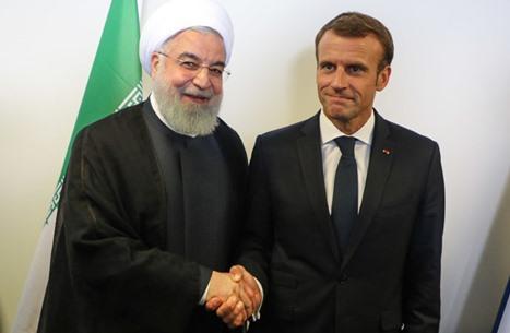ماكرون يحذر روحاني من التدخلات الخارجية بلبنان
