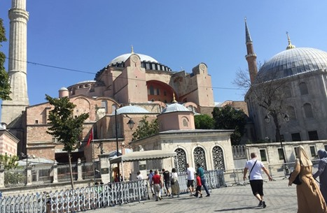 """""""عربي21"""" تتجول داخل أيا صوفيا بعد شهرين من إعادته مسجدا"""