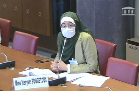 """مداخلة طالبة """"محجبة"""" توقف اجتماعا برلمانيا بفرنسا (شاهد)"""
