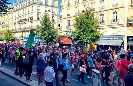 مظاهرات في باريس ضد سياسات حكومة ماكرون (شاهد)