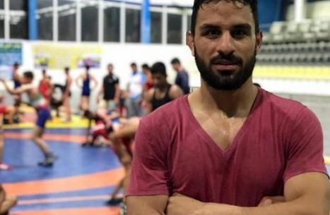 واشنطن تفرض عقوبات على قاض إيراني حكم بإعدام بطل مصارعة