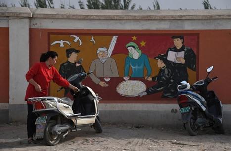 الصين تهدم آلاف المساجد وتقيم معتقلات جديدة للإيغور