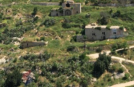 """""""لفتا"""".. قرية فلسطينية هجّر أهلها وما زال الحنين يشدهم (شاهد)"""