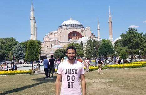 """مصري يروي لـ""""عربي21"""" محاولة احتجازه بقنصلية بلاده بإسطنبول"""