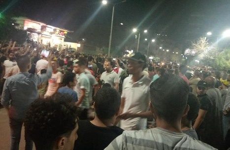 مظاهرة ضد السيسي بالسويس وأنباء عن اعتقالات (شاهد)