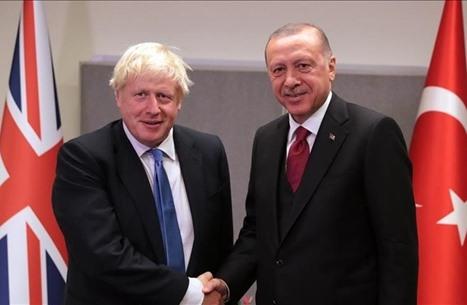 """جونسون يمازح أردوغان: """"نأخذ المال ولا نرد السفن"""".. ما القصة؟"""